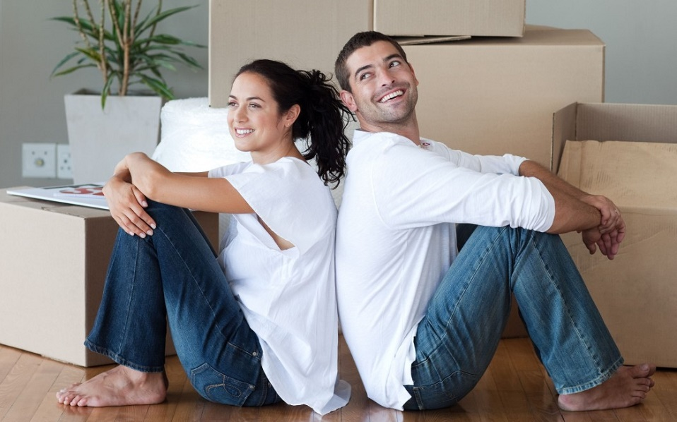 young-couple-tenant-search